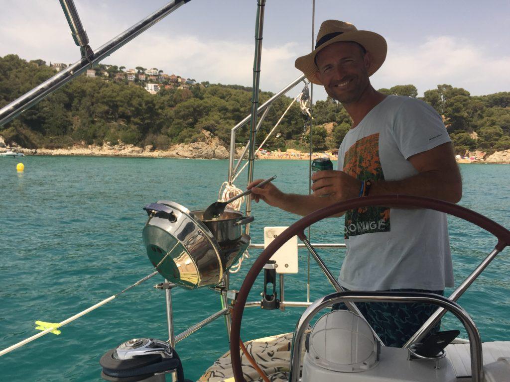 Barcacoa en Cala Treumal